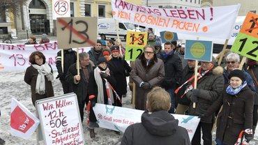 """""""12-statt-13-Aktion"""" zur Tarifverhandlungsrunde für Film- und Fernsehschaffende in München"""