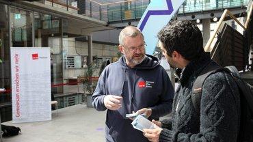 ver.di-FilmUnion ist mit einem Infostand auf dem Sehsüchte Filmfestival in der Medienstadt Potsdam Babelsberg vertreten